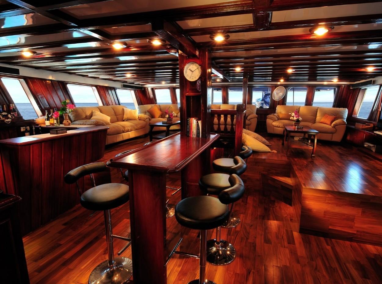 Philippines Siren, Saloon, image,