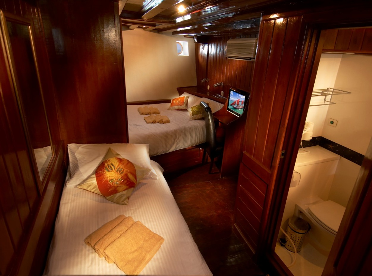 the Phinisi cabin 1a, Myanmar liveaboard