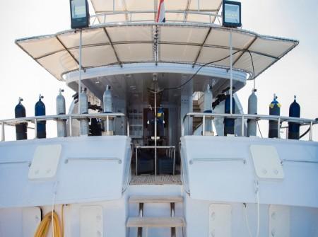 M/Y blue Fin dive deck