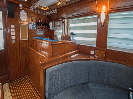 blue Fin liveaboard bar